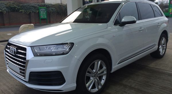 Hire this Q7 for your wedding anywhere in the North West of England.
