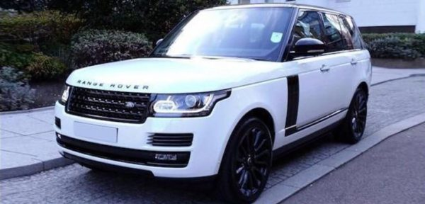 This Range Rover Vogue is available for hire anywhere in UK.