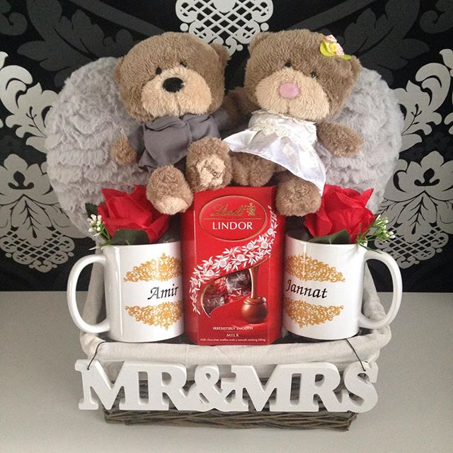 hamper_licious wedding gift for asian couple