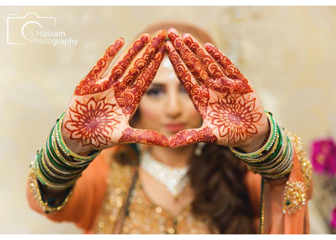 S Hussain Photography mendhi hands