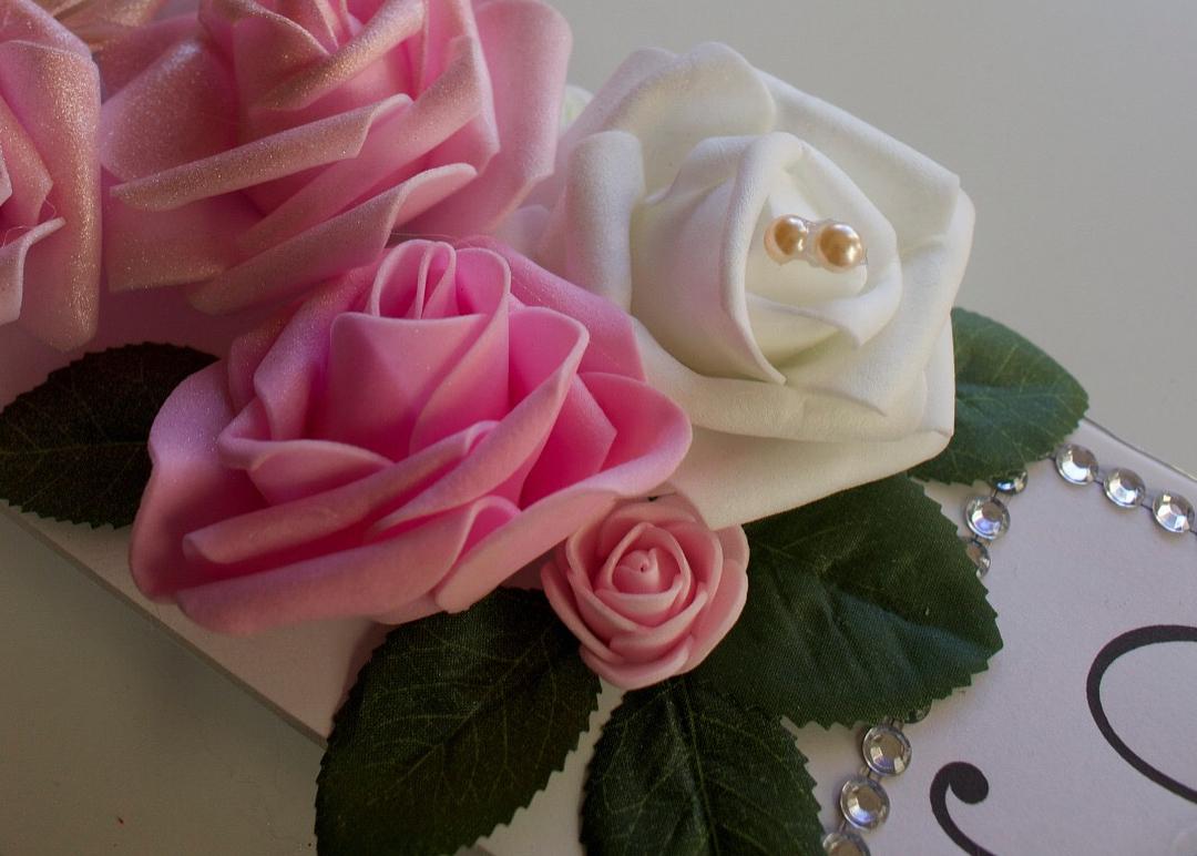 amour.afnan_mix-floral-frame3