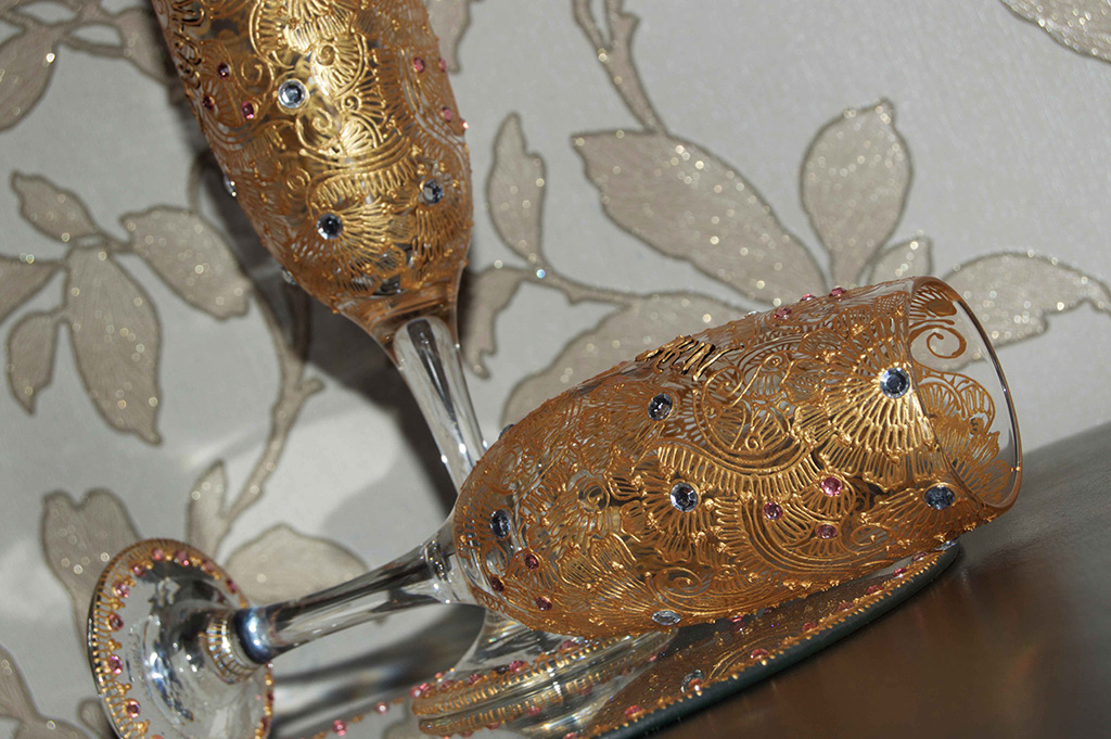 arabesque-dhoodh-pilai-glass-set